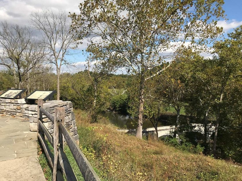 wayside exhibits overlooking burnside bridge