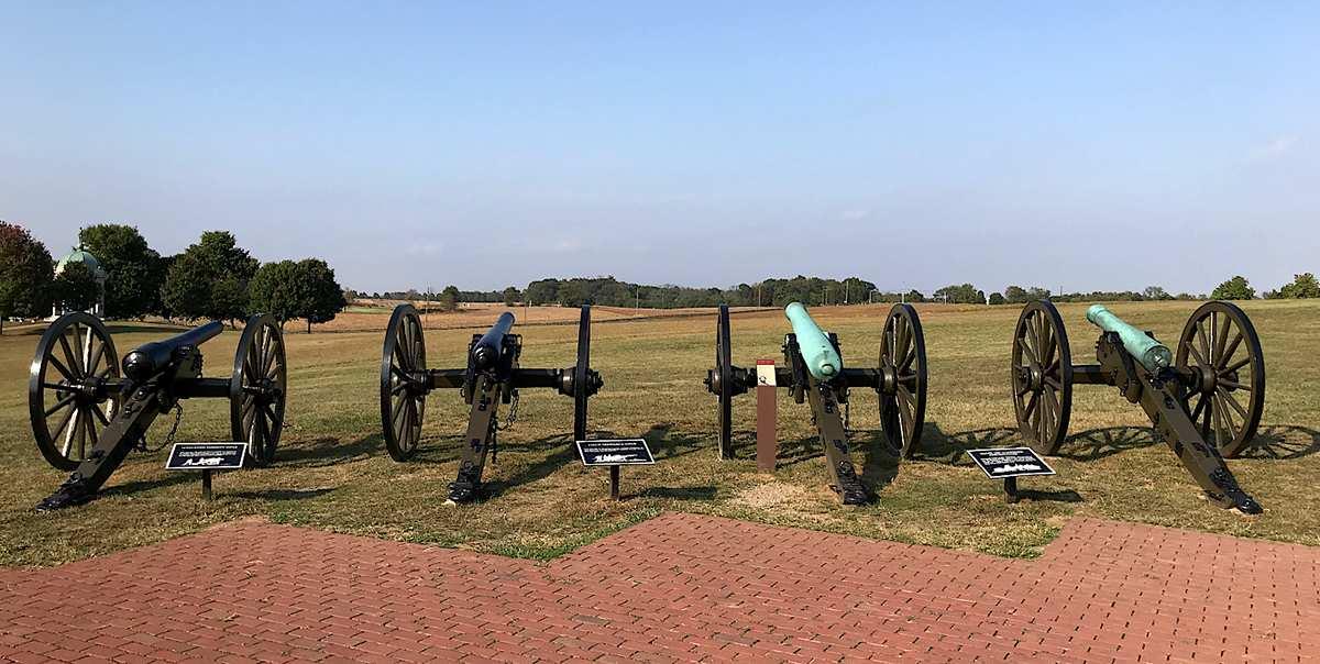 confederate artillery facing the cornfield