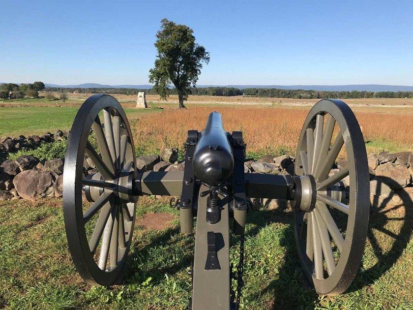 Union gun pointing to Seminary Ridge